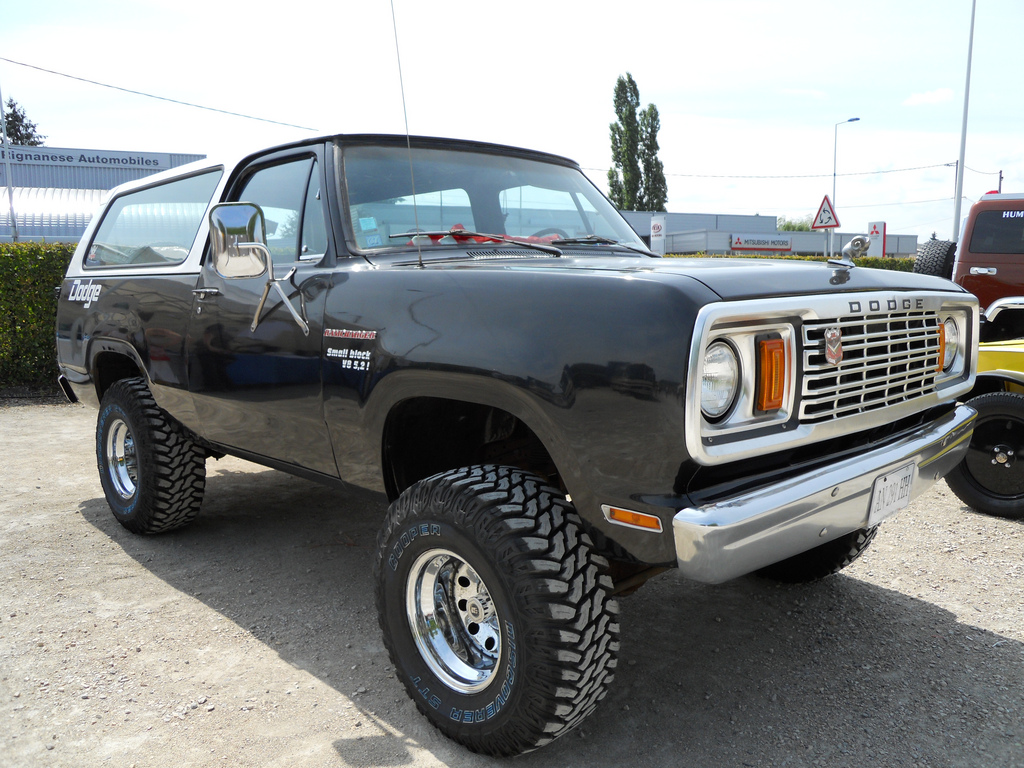 Dodge Ramcharger 21