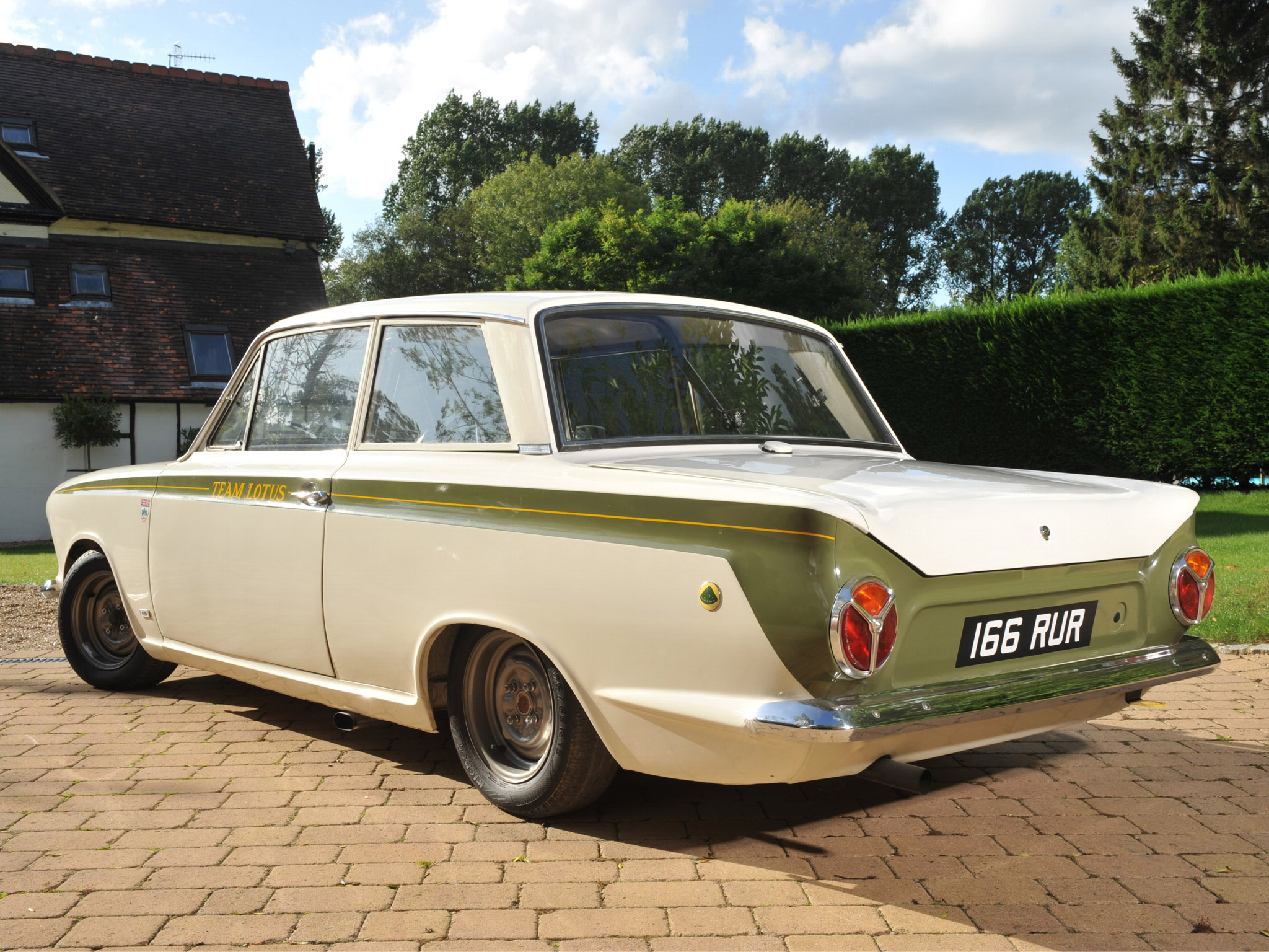 Ford Lotus Cortina #18