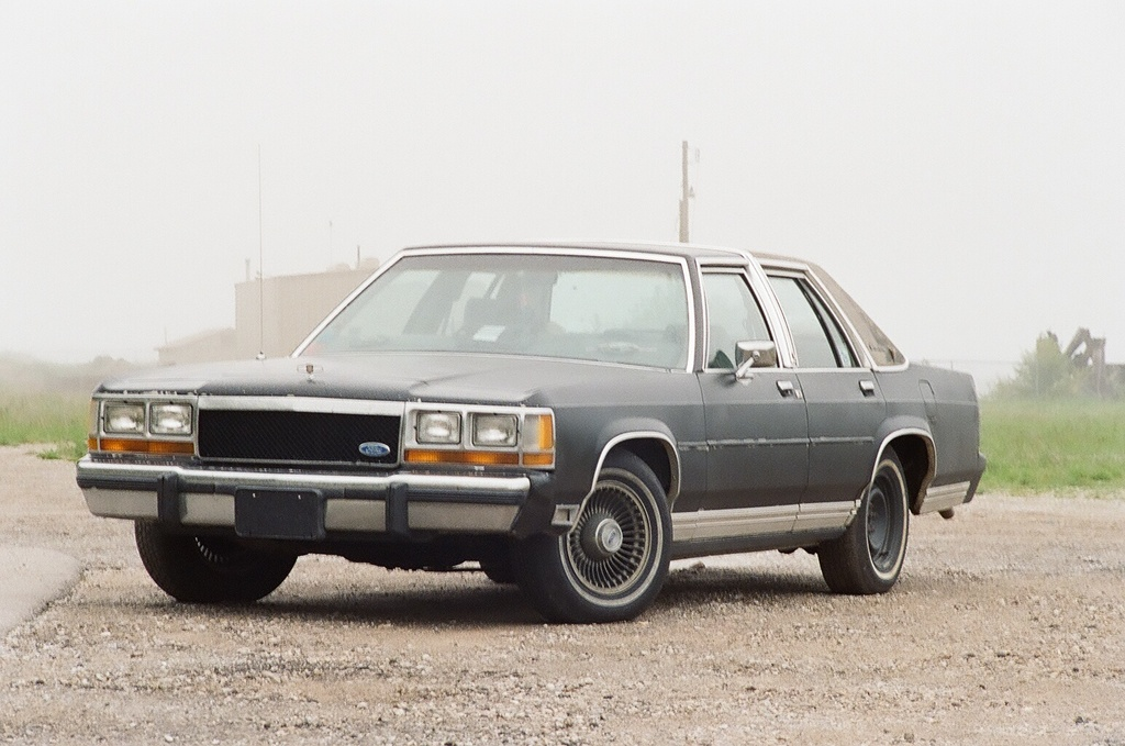 Ford Ltd Crown Victoria #21