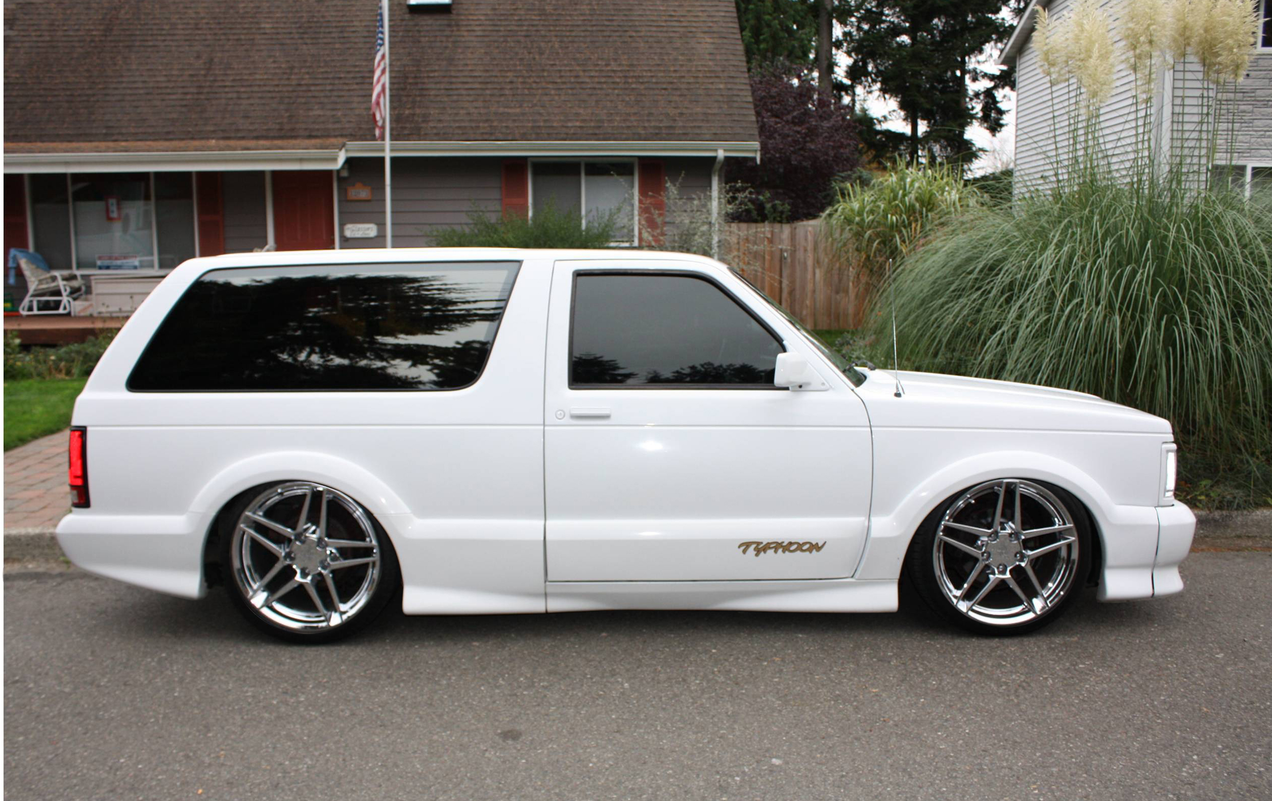 GMC Typhoon #24