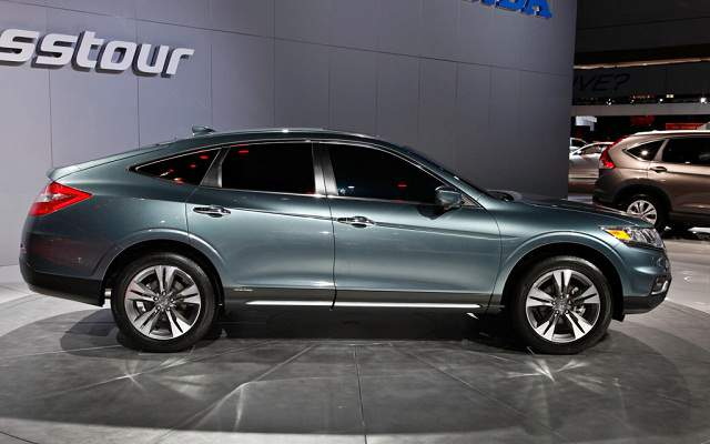 Honda Accord Crosstour 18