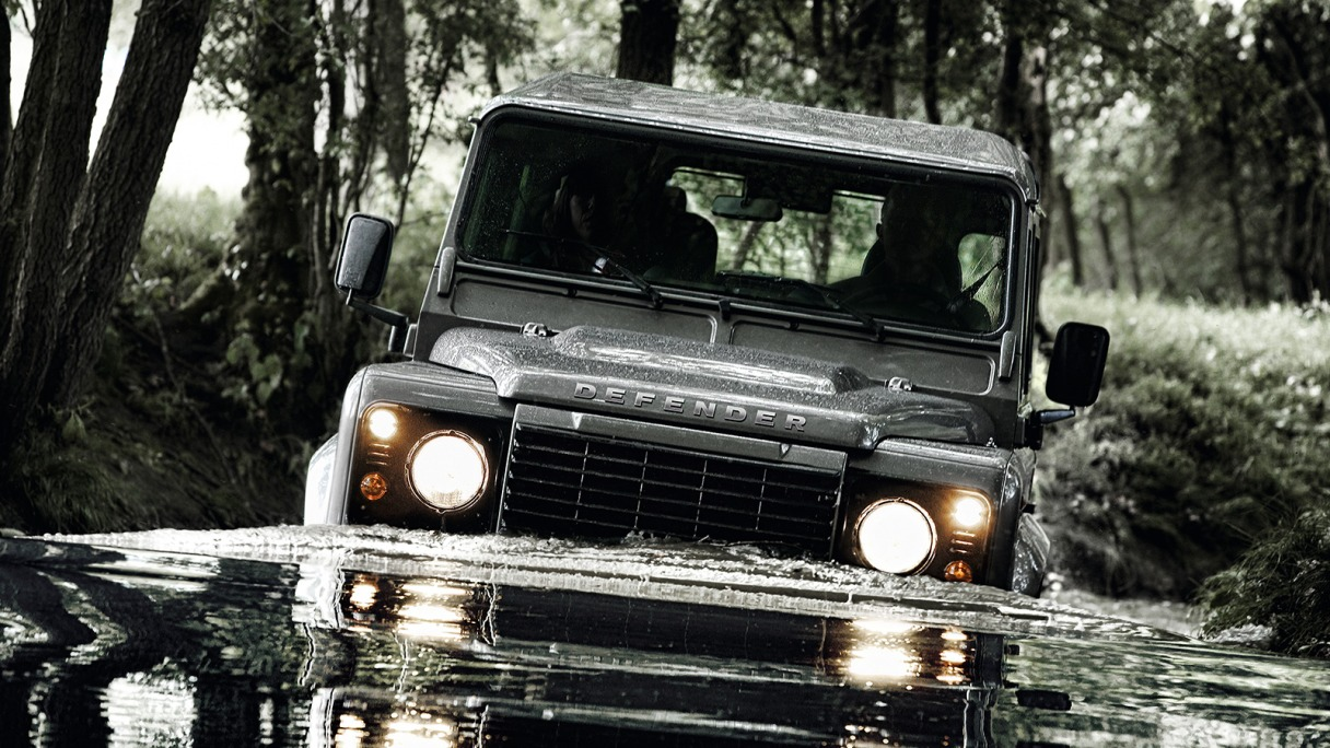 Land Rover Defender #19