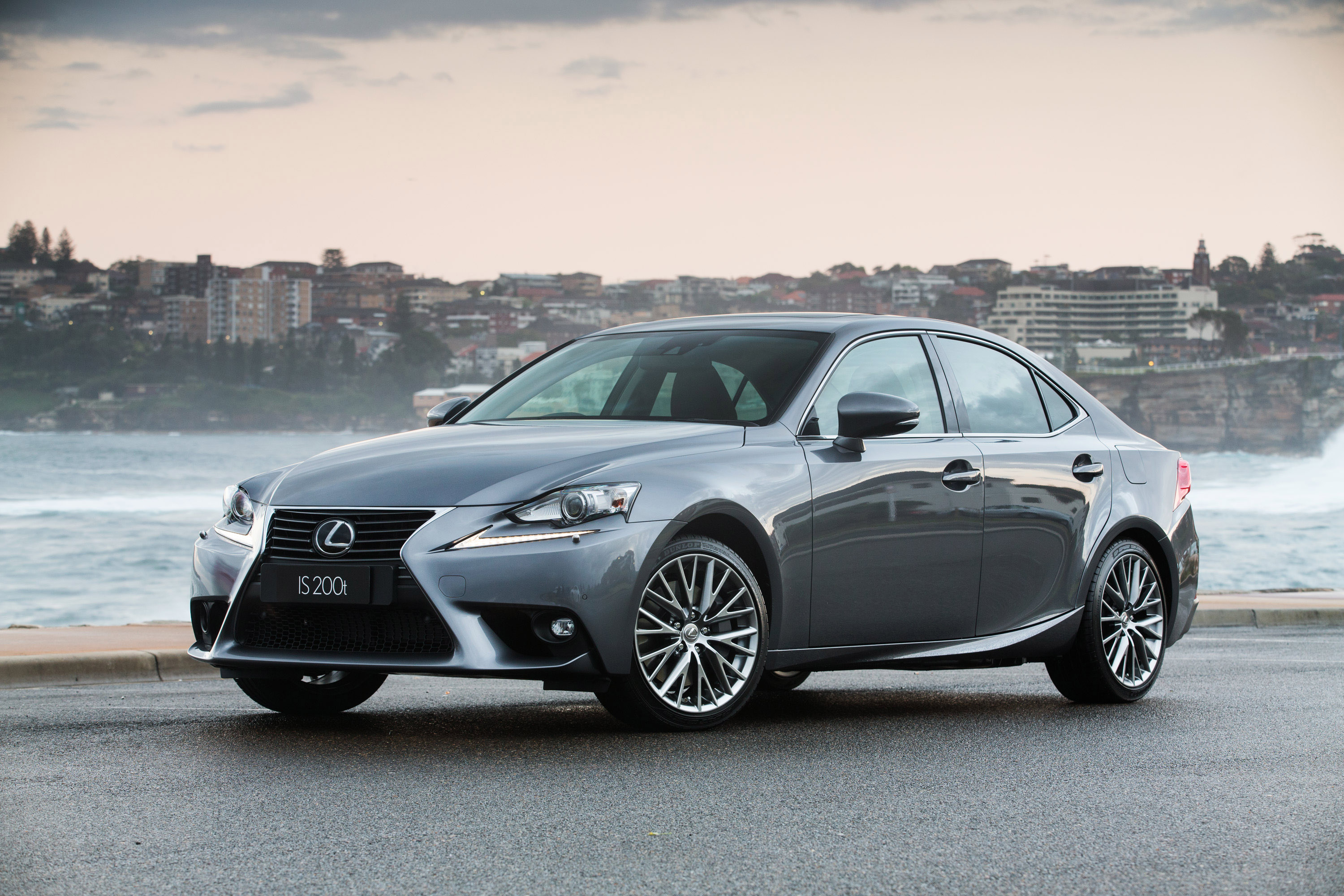 Lexus Is 200t #4