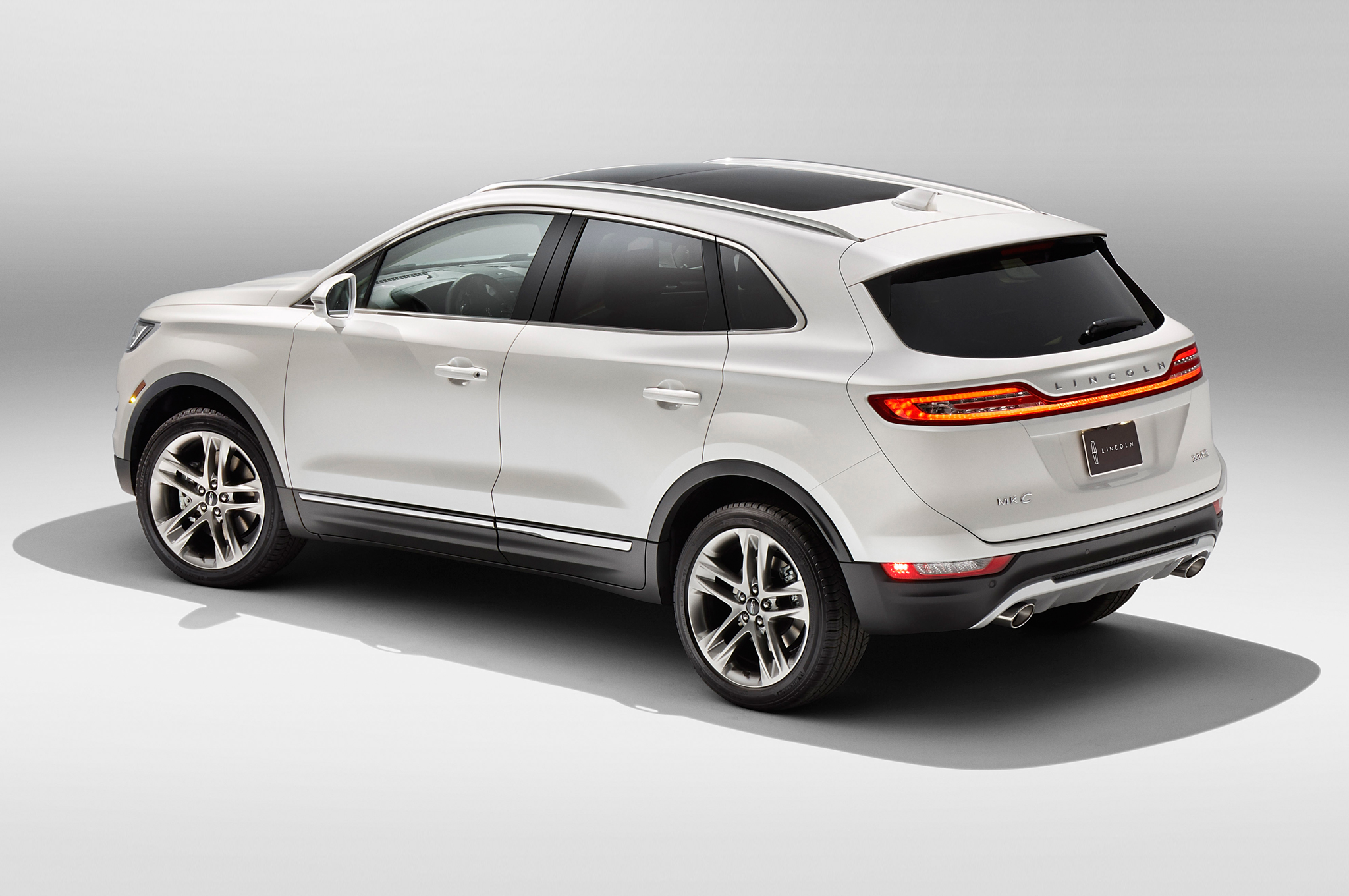 lincoln reviews dealer milwaukee new photos suv exterior l navigator safety select price
