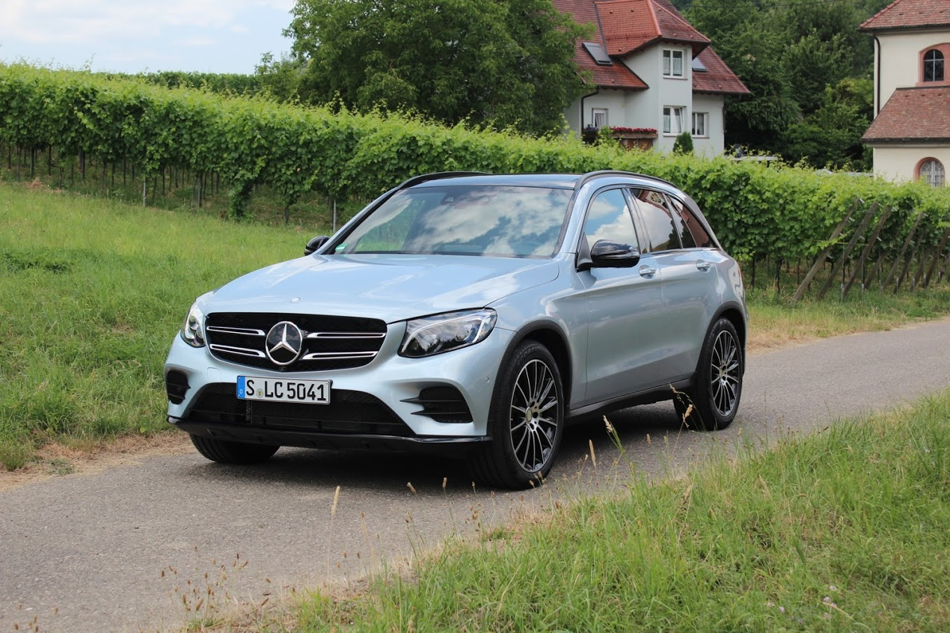 mercedes benz glc class photos informations articles. Black Bedroom Furniture Sets. Home Design Ideas