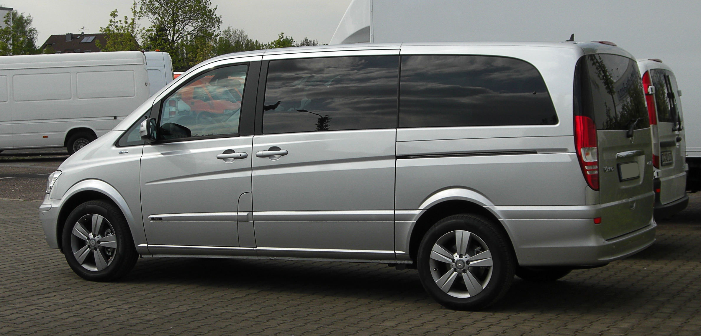 Mercedes-Benz Viano #26