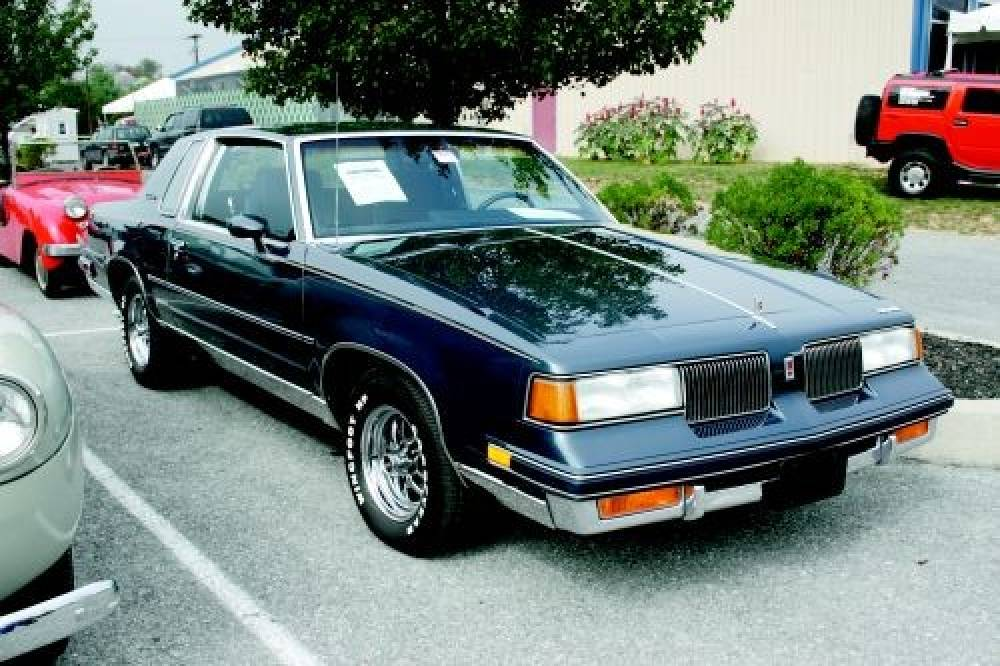 Oldsmobile Cutlass Supreme #19
