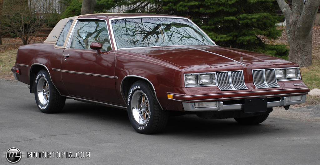 Oldsmobile Cutlass Supreme #22