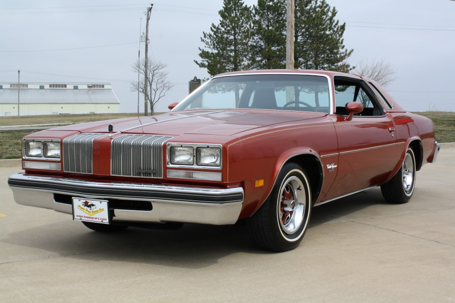 Oldsmobile Cutlass Supreme #25