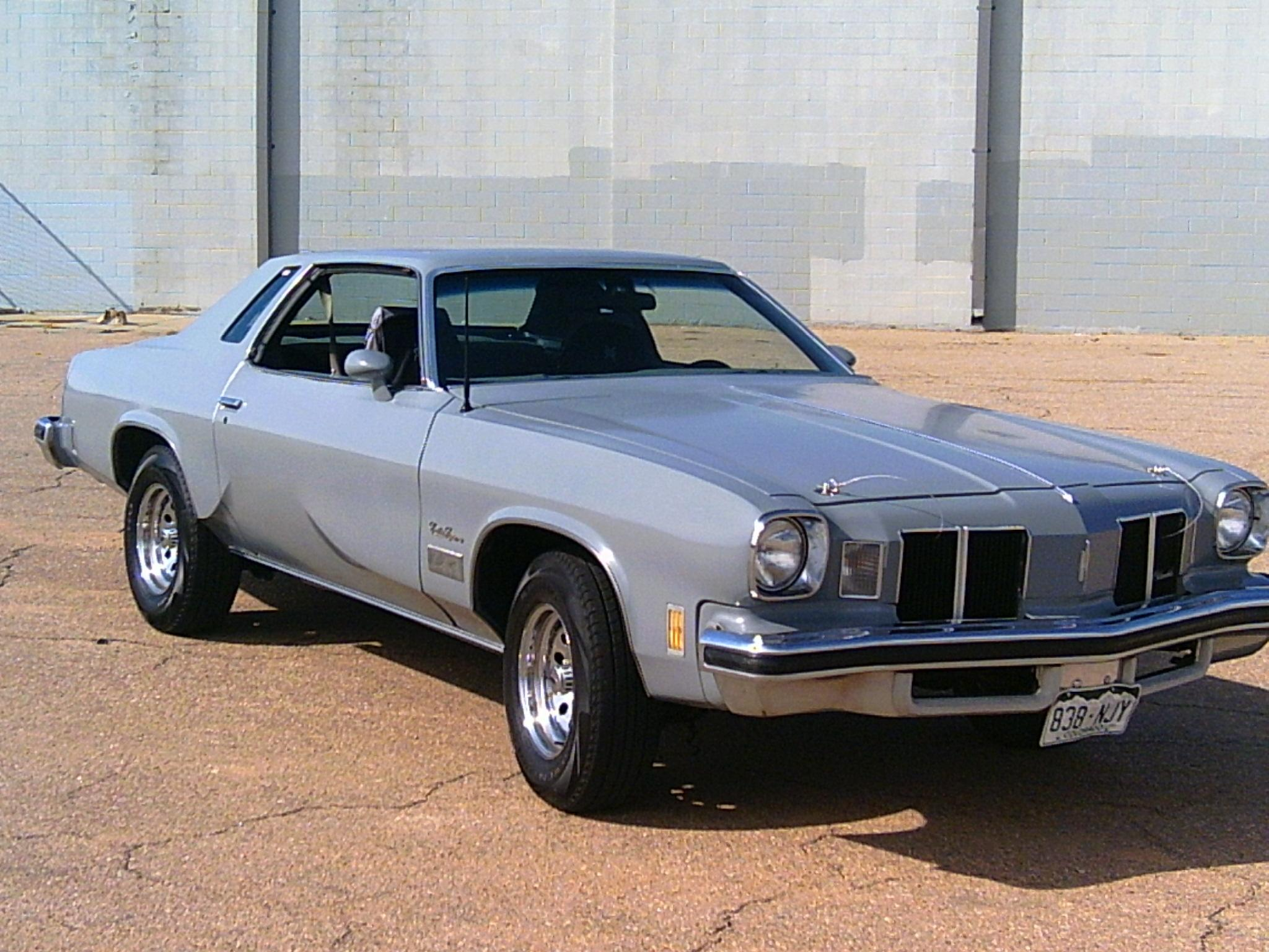Oldsmobile Cutlass Supreme #30