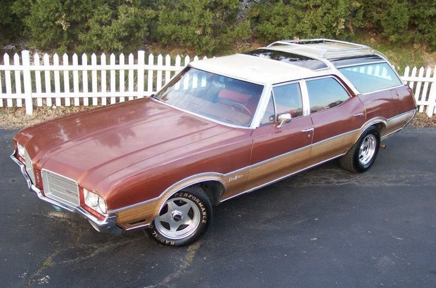 Oldsmobile Vista Cruiser #23