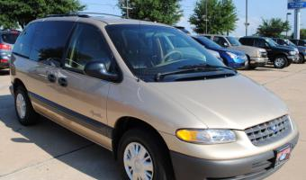 1998 Plymouth Voyager #1