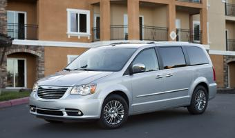 2013 Chrysler Town And Country #1