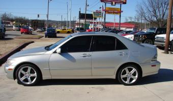 2004 Lexus IS #1