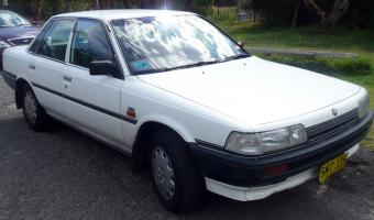 1992 Holden Apollo #1