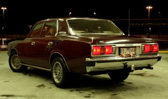 1977 Toyota Crown #1