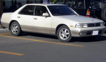 1993 Nissan Laurel #1