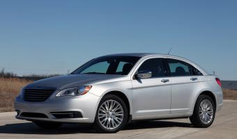 2011 Chrysler 200 #1