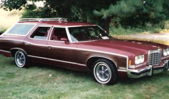 1976 Pontiac Grand Safari #1