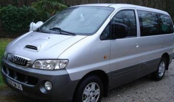 2001 Hyundai Satellite #1