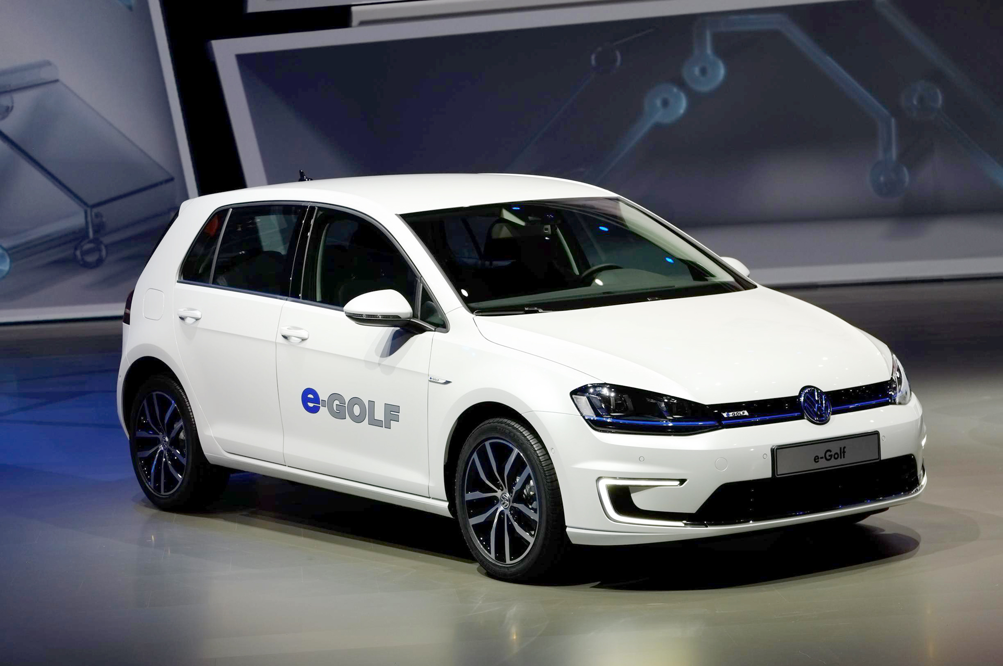 Volkswagen E-golf #19