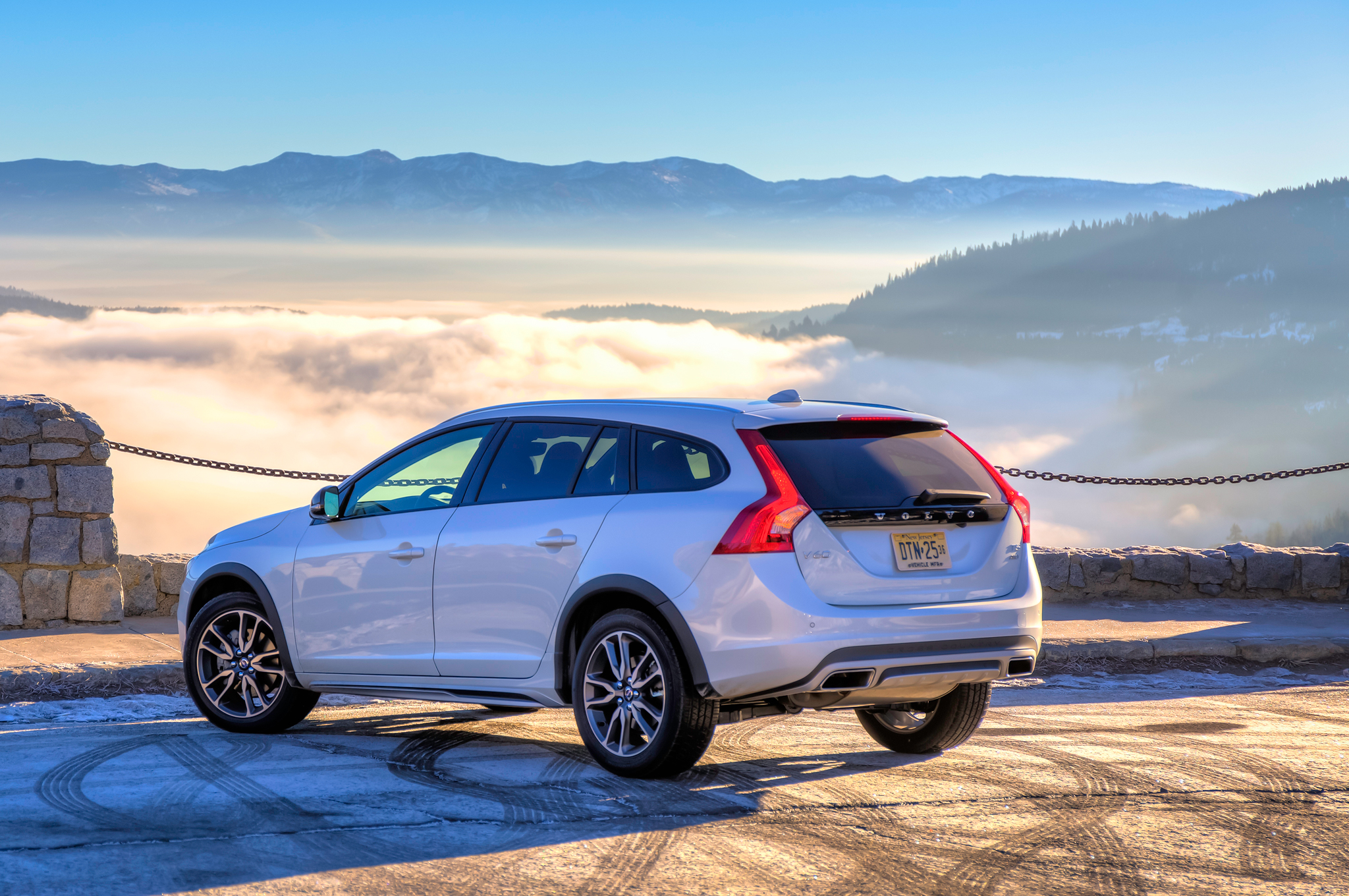 Volvo V60 Cross Country #28
